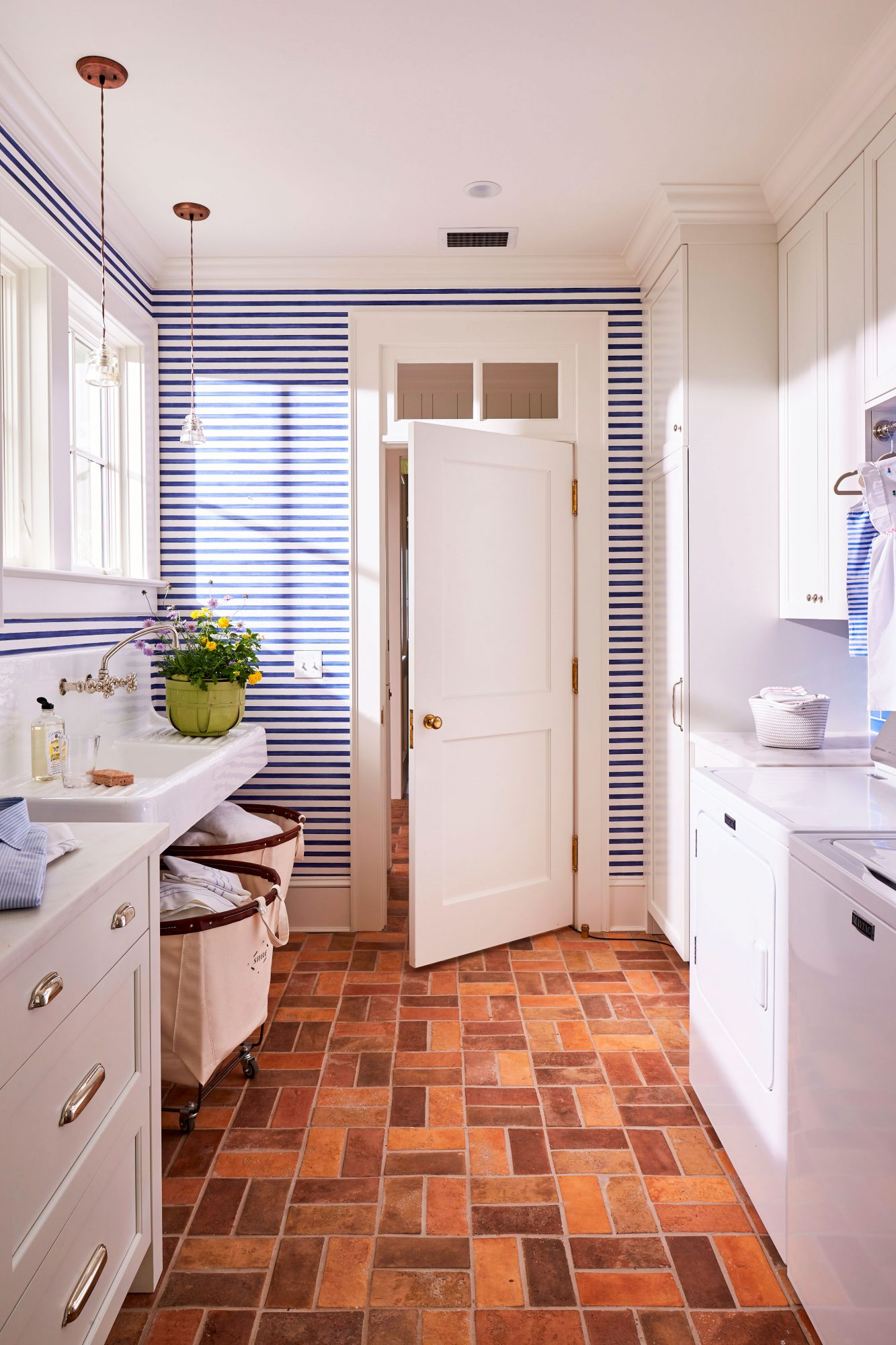 Jacksonville, FL River House Striped Wall Laundry Room
