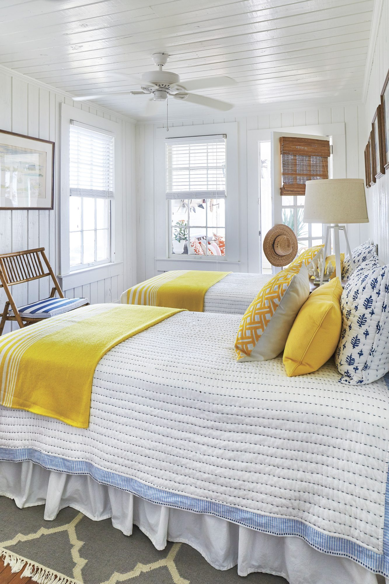 St. Teresa, FL Beach House with Yellow and White Twin Bedroom for Guests