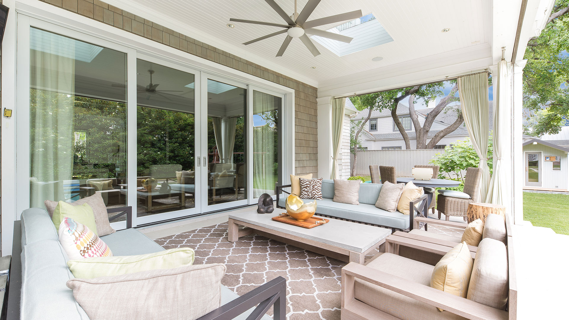 4337 Westway Ave Highland Park Outdoor Living