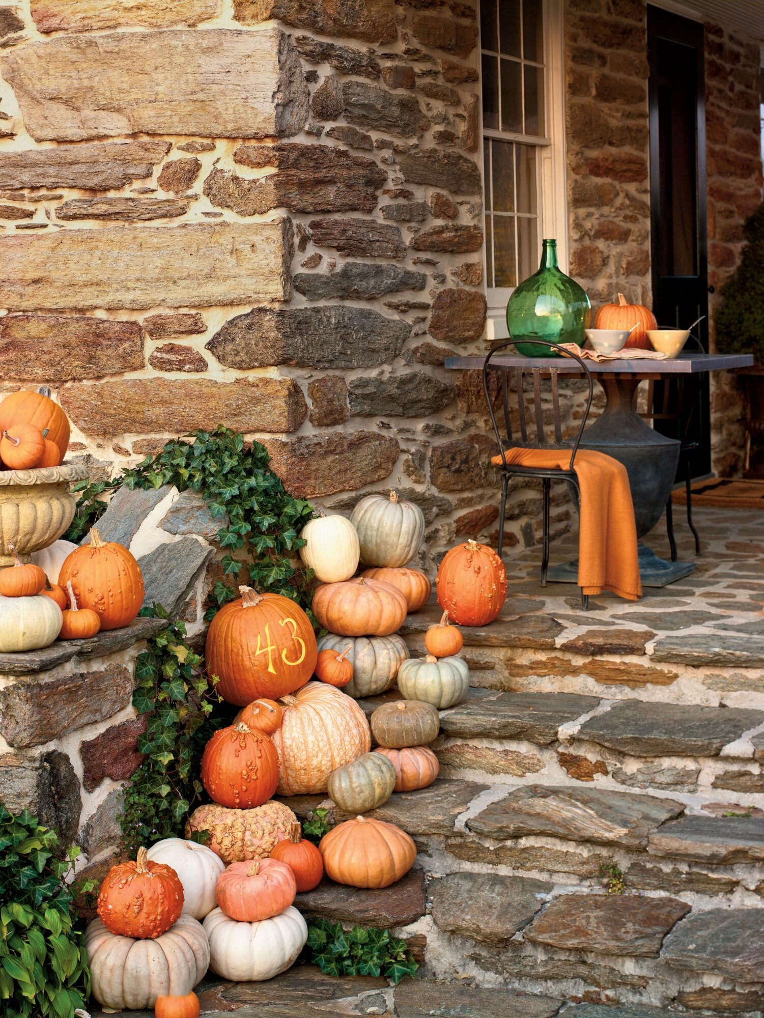 30 Outdoor Decorations For Fall