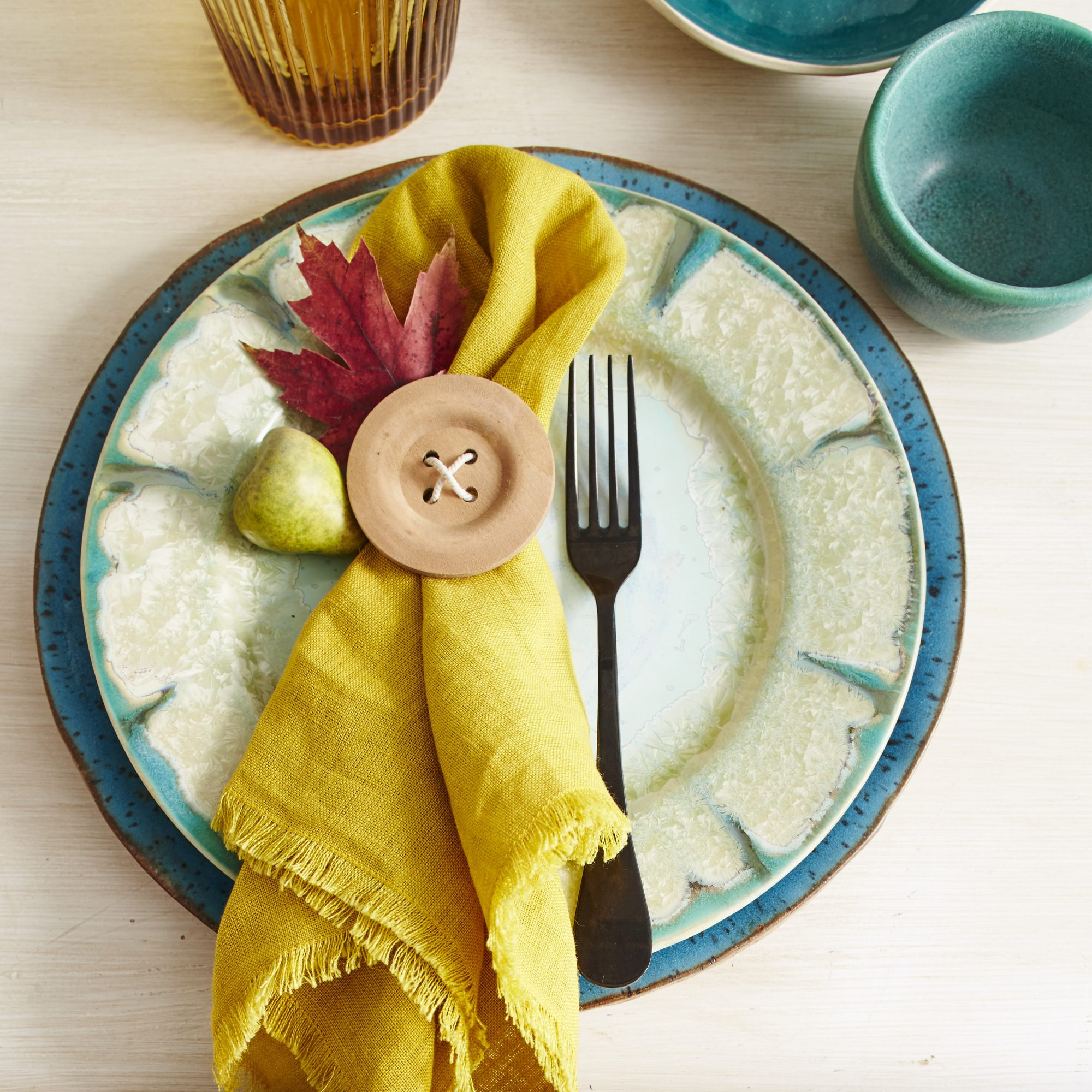 Cute-as-a-Button Place Settings