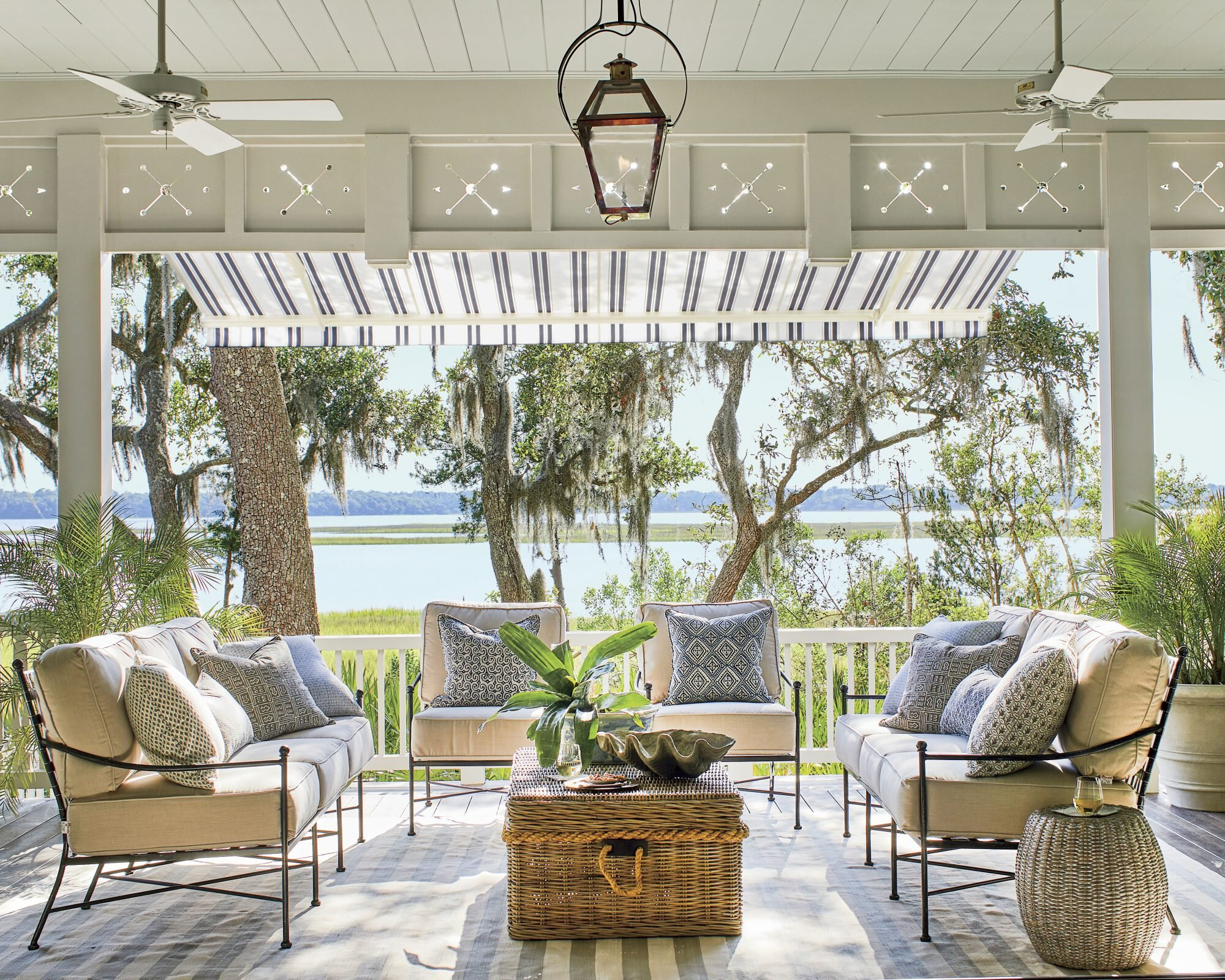 The 9 Best Outdoor Ceiling Fans Of 2021 According To Reviews Southern Living