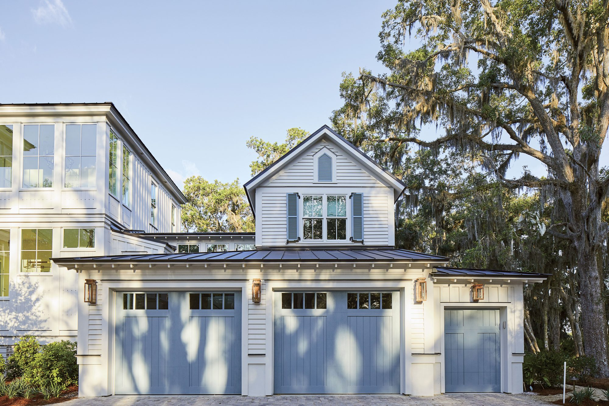 2019 Idea House Garage Doors