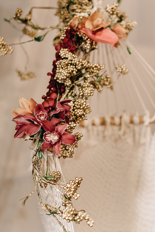 Mixed Florals and Metallics Fall Wedding