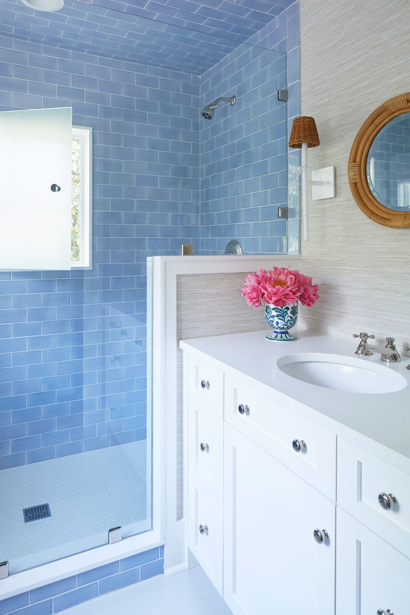 Julia Engel of Gal Meets Glam Charleston, SC Home Blue and White Guest Bathroom