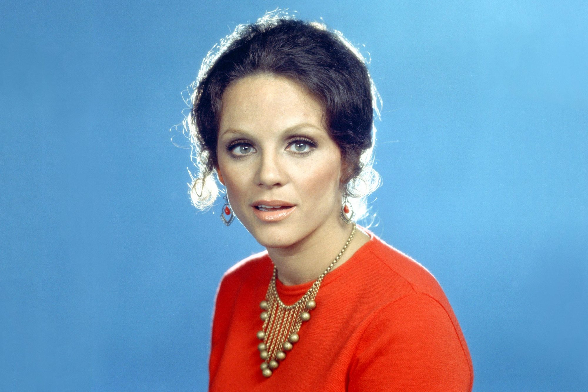 LOS ANGELES - JANUARY 1: The Mary Tyler Moore Show: Valerie Harper who portrays Rhoda Morgenstern. Image dated 1971. (Photo by CBS via Getty Images)