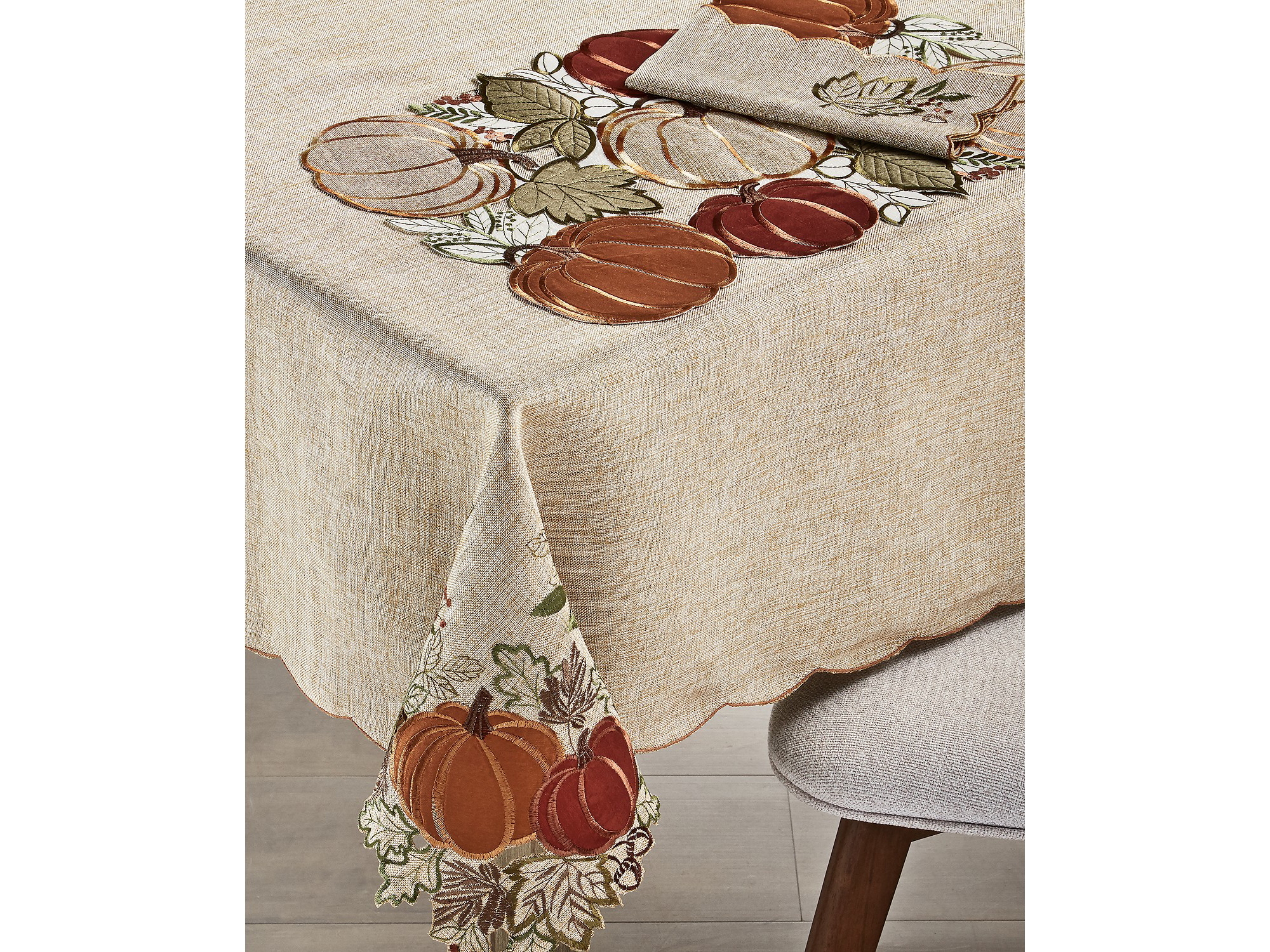 Elrene Harvest Wreath Tablecloth