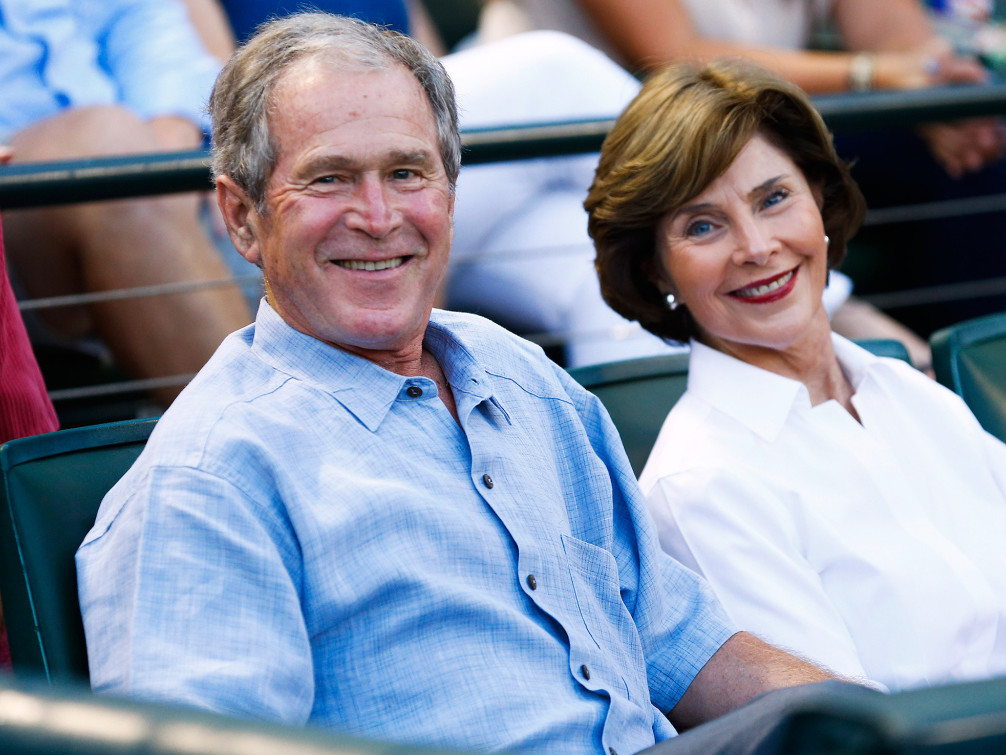 George W. Bush and Laura Bush Receive a Special Seafood Delivery on Labor Day at Walker's Point george-bush1