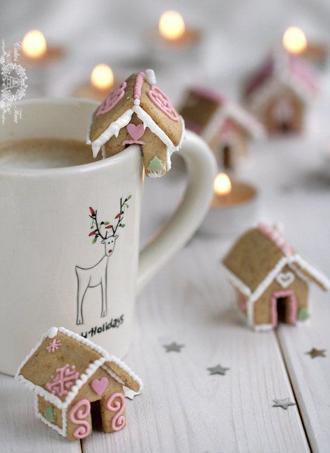 Bite Sized Gingerbread Houses