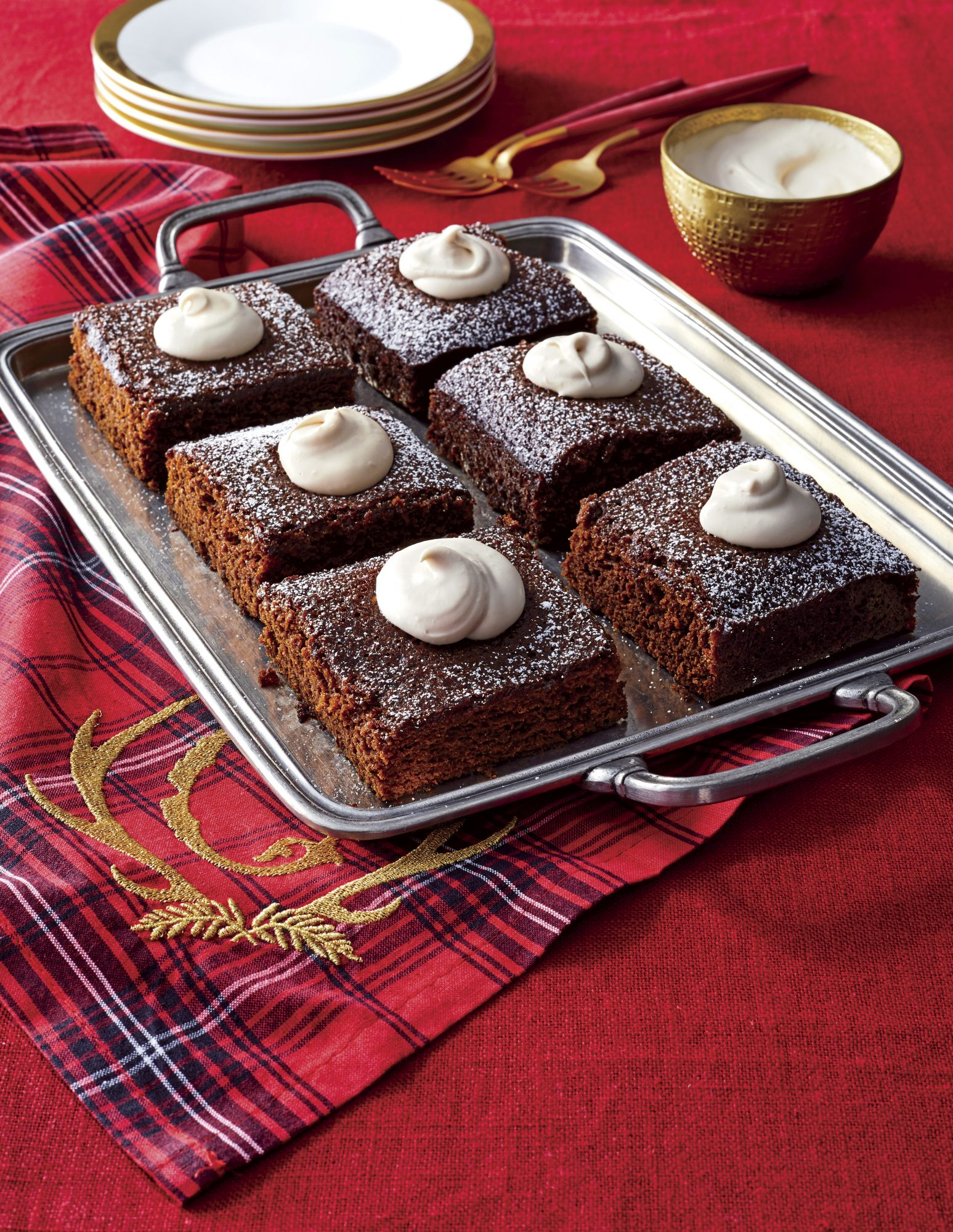 50 Christmas Desserts That'll Feed a Crowd