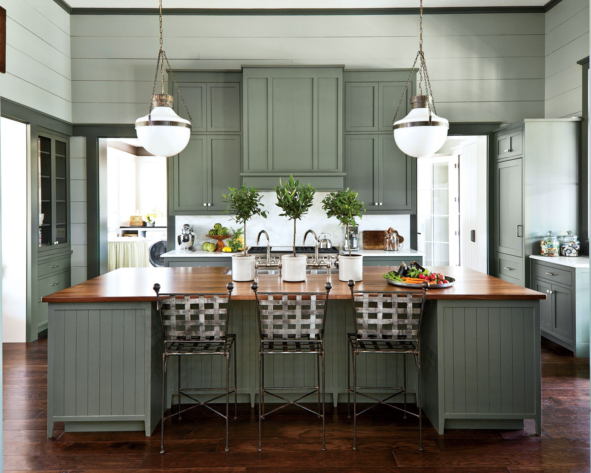 7 Paint Colors Weire Loving For Kitchen Cabinets In 2020 Southern Living
