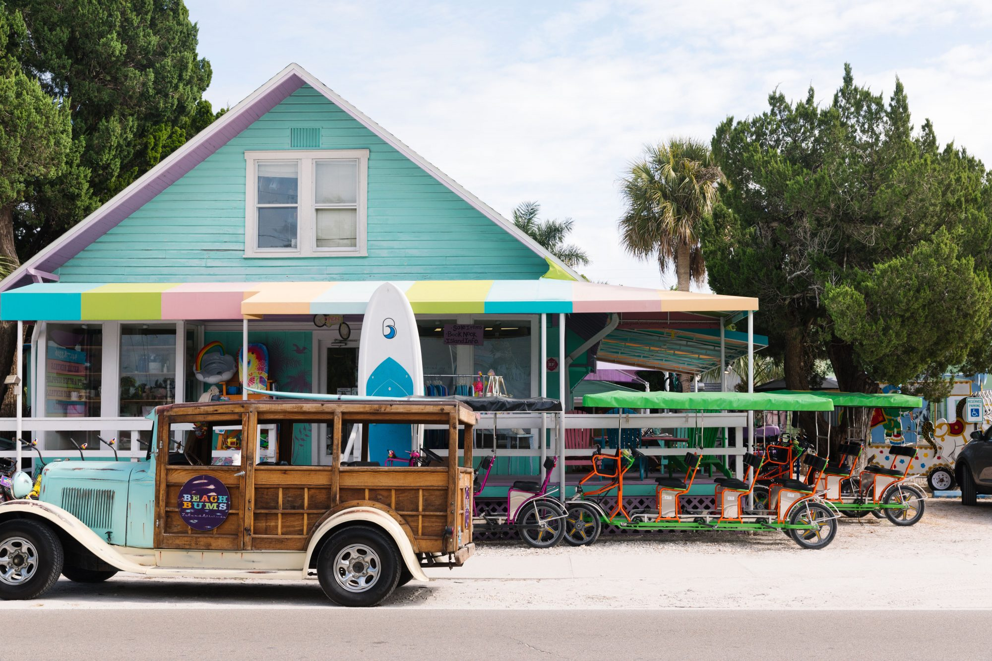 Experience the Vintage Charm of Anna Maria Island This Winter