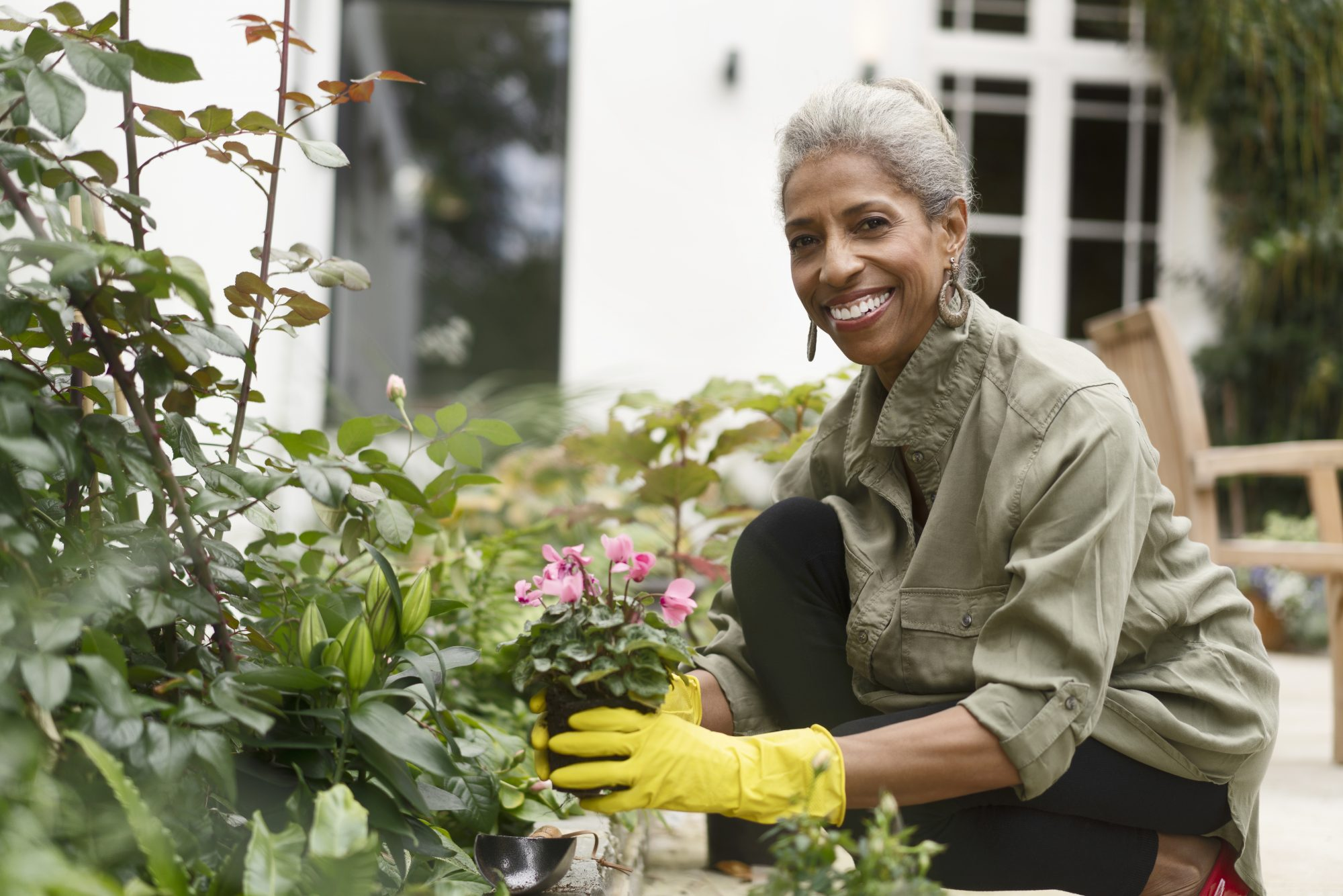 Experts Recommend Front Yard Gardens to Help Combat Loneliness
