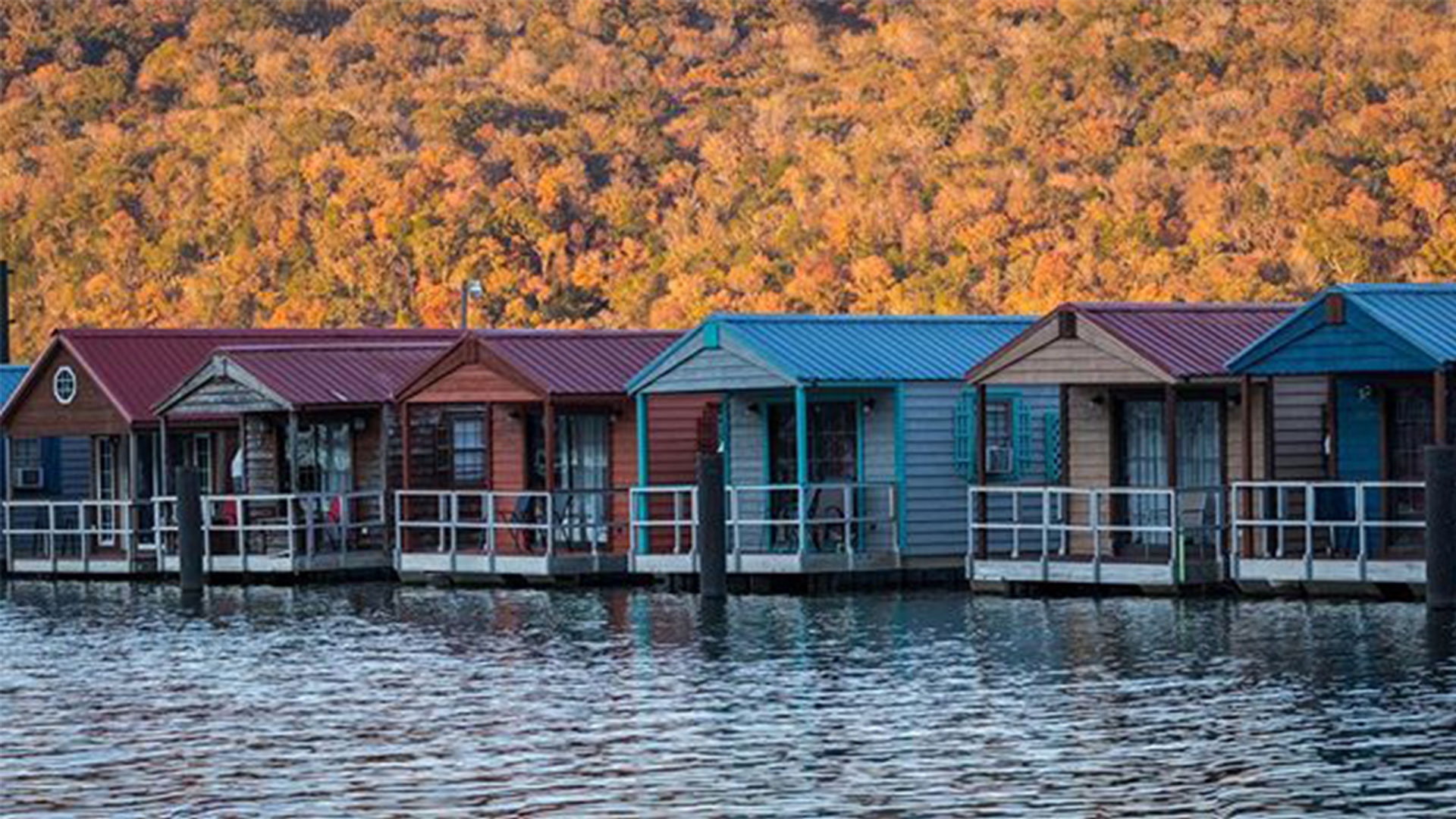 These Floating Cabins Right Outside Chattanooga Are Perfect for a Low-Key Getaway