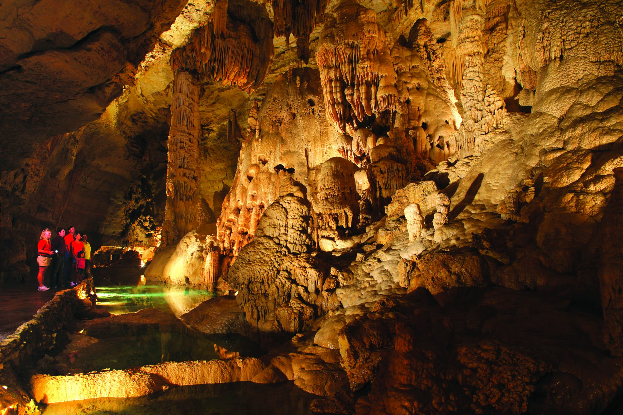 Natural Bridge Caverns Castle of the White Giants