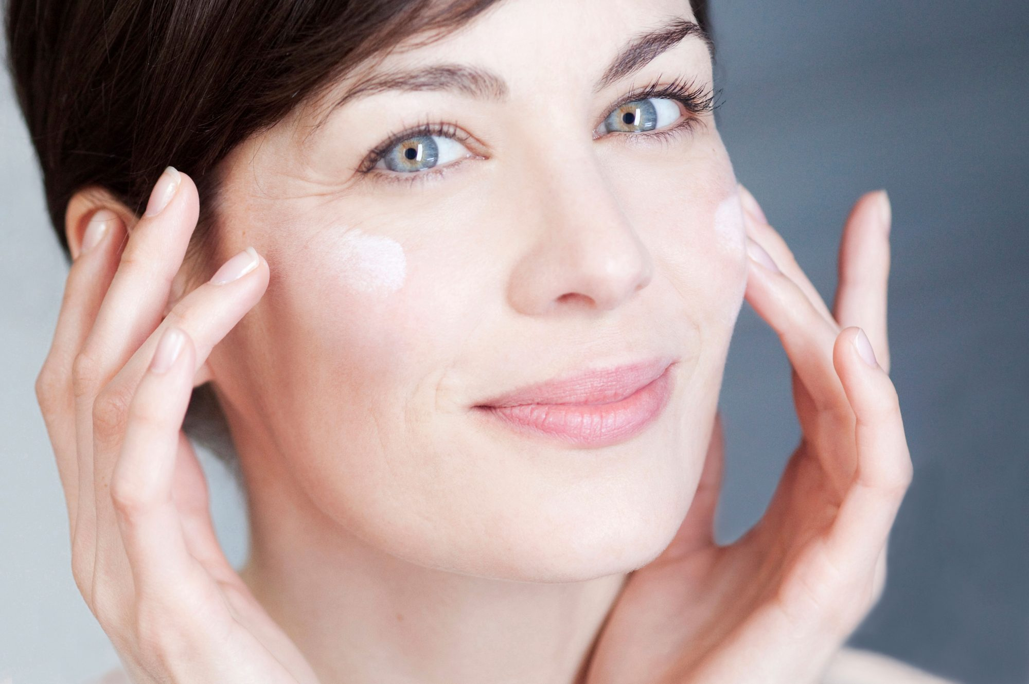 Why You Need To Ask Your Dermatologist About the Antiaging Benefits of Tretinoin