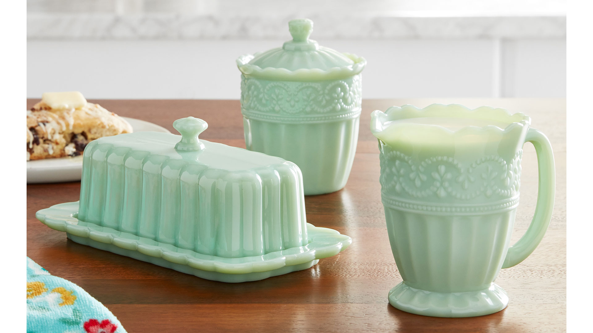 Ree Drummond's Jadeite Kitchenware Collection is a Vintage-Lover's Dream