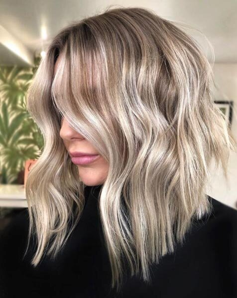25 Medium Blonde Hairstyles To Show Your Stylist Pronto Southern