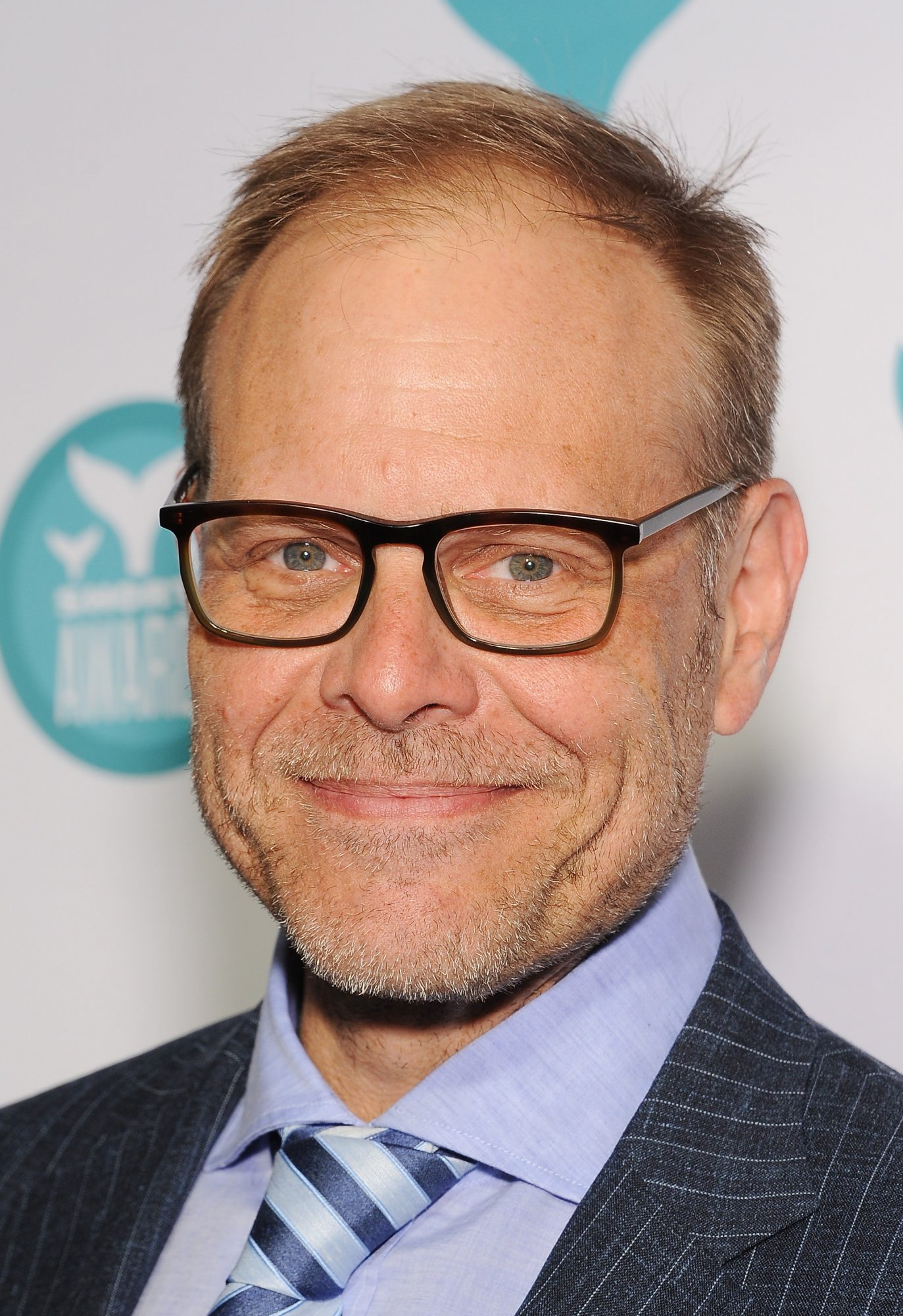Alton Brown's Easy Recipe for Spicy Saltine Crackers is a Quarantine Game-Changer