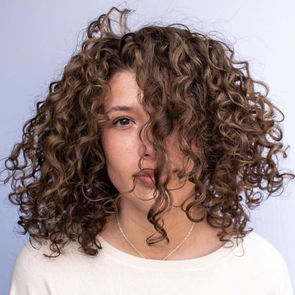 Curly Shoulder Style
