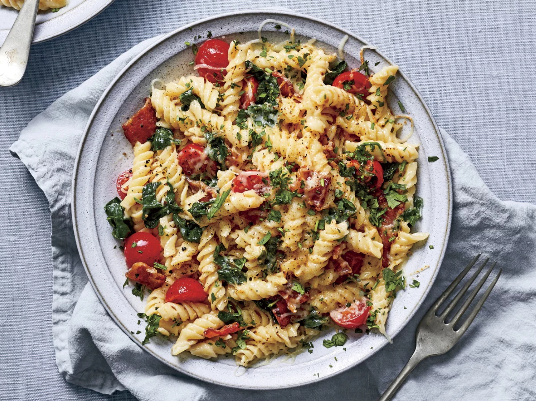 Fusilli Pasta with Spinach, Tomato, and Bacon
