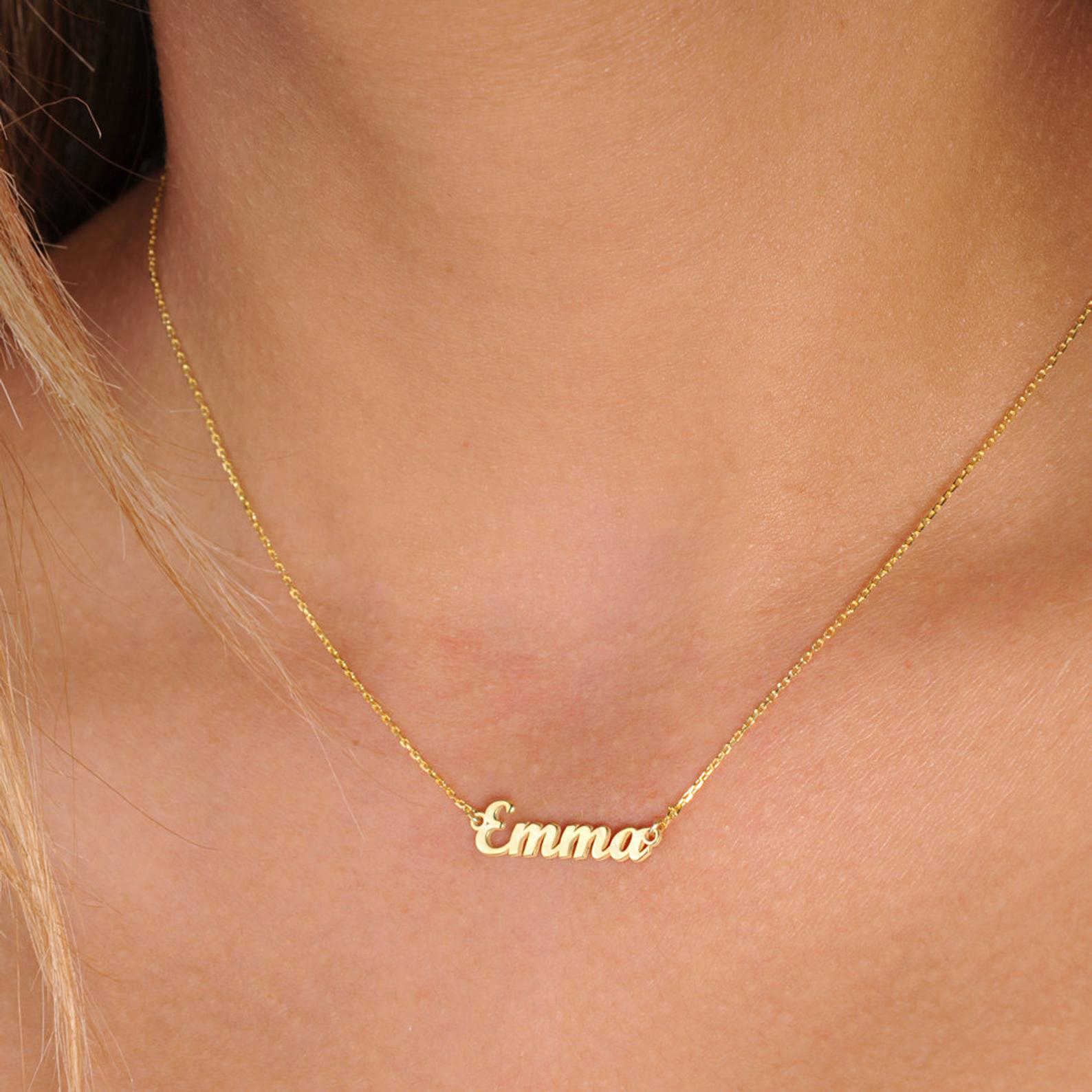 Tiny Chain Name Necklace