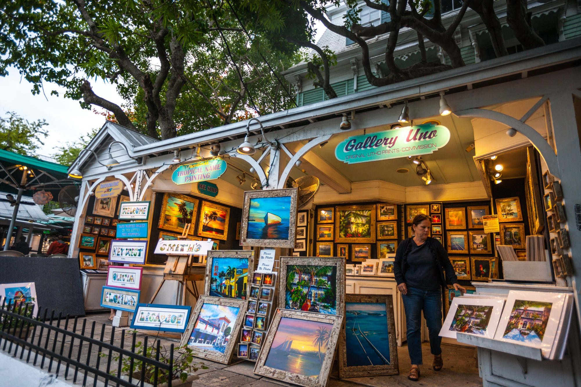 Inspired by the tropical landscape and eccentric local culture, artists have long called Key West home. Browse the many art galleries that line Duval Street, including Gallery Uno, home to works of art by long-term island resident Alberto DeAndrea.