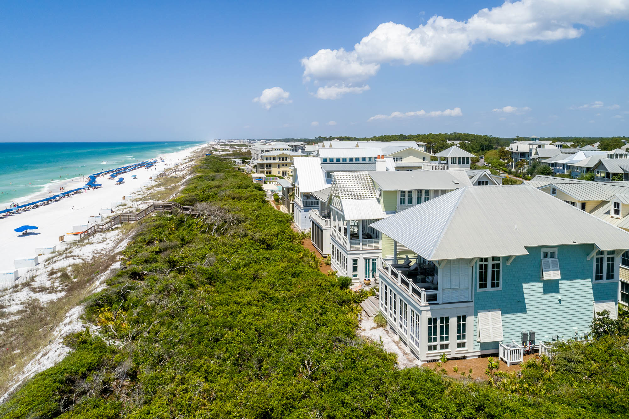 For a beachfront stay for a larger group, look no further than this charming rental. Second Sandbar is one of few Gulf-front rentals homes in the area, with a color palette that ties the interior (and the aqua exterior) to its surroundings. This house sle