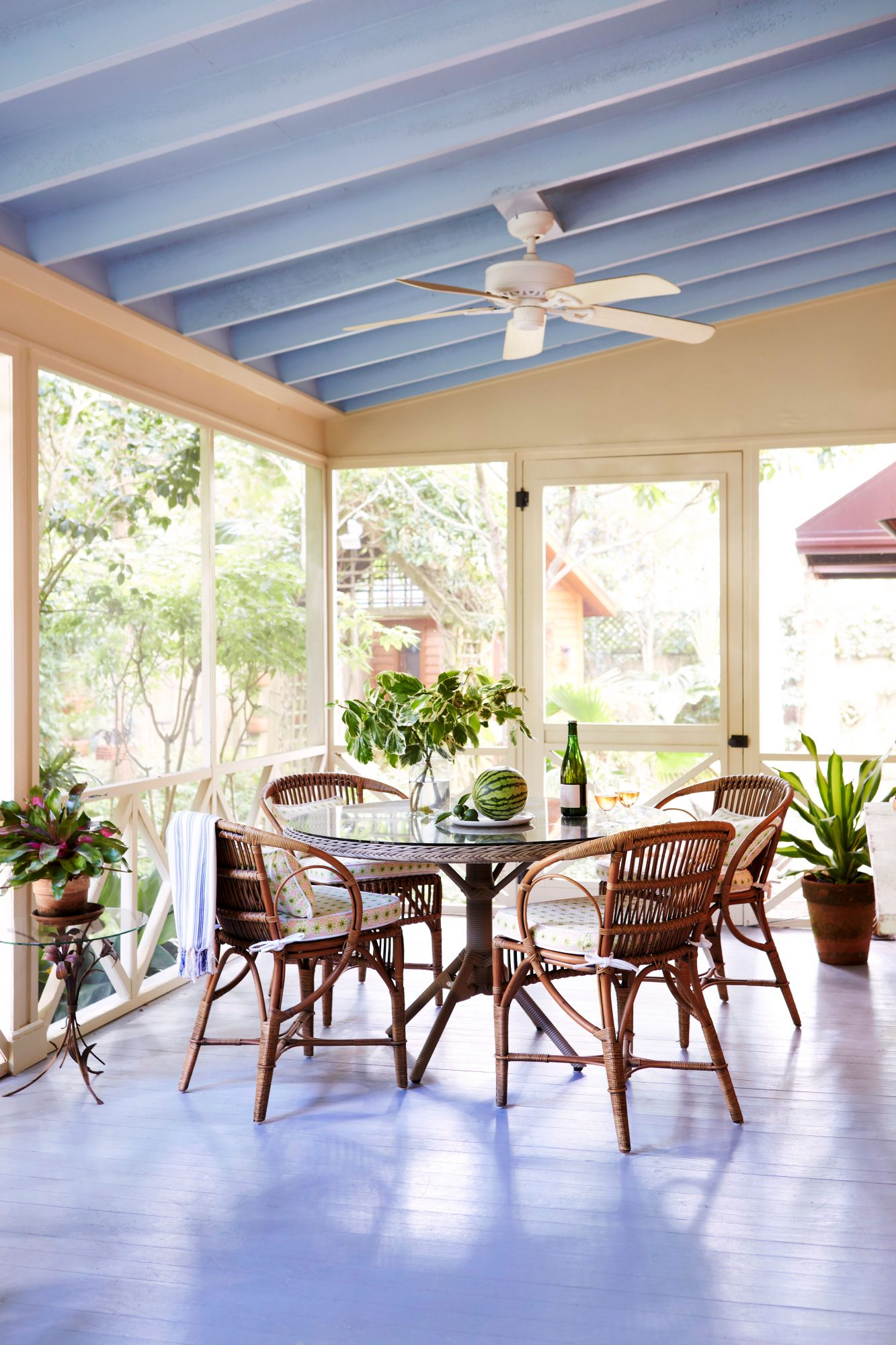 Screened Porch Dining Area
