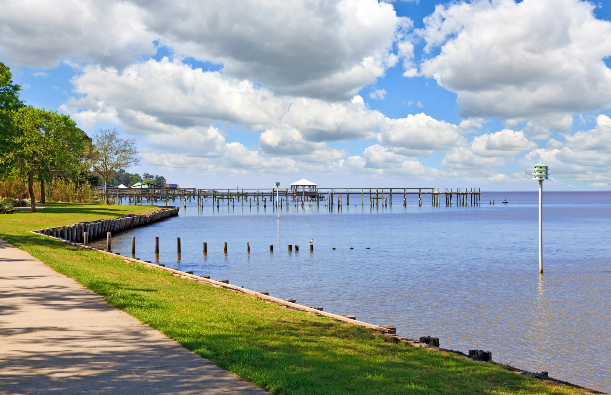 This gem on Mobile Bay along the shimmering Gulf of Mexico has a sweet little downtown complete with waterfront park, a pair of lovely beaches, and fishing pier. An added (and somewhat secret) charm: Point Clear just to the south, with a stunning bayside walking path that begins from the equally picturesque and gracious Grand Hotel Golf Resort and Spa.