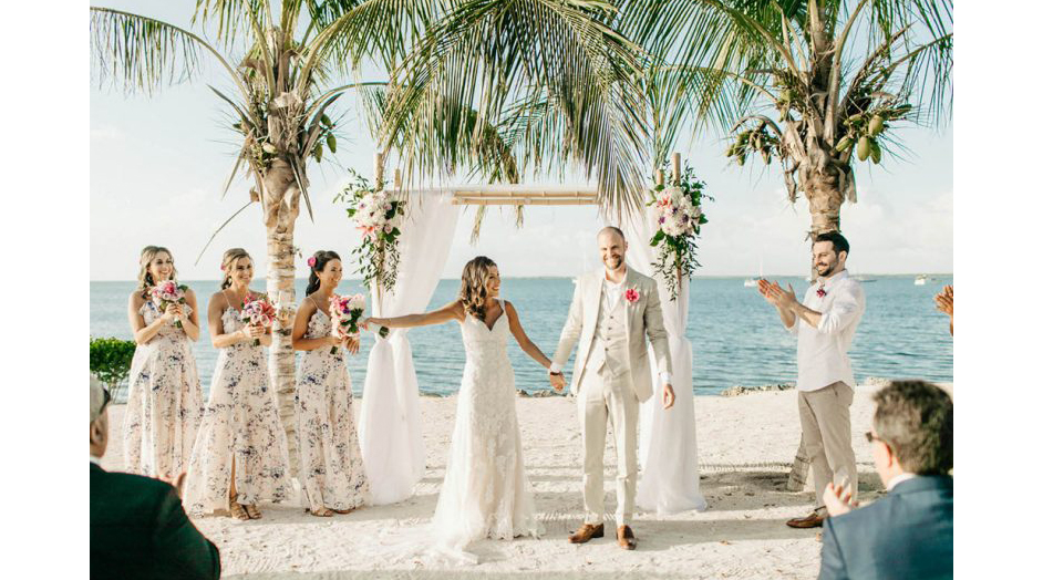 Key Largo Lighthouse offers couples a customizable package that includes all the wedding events of your choosing (welcome party, rehearsal dinner, wedding, reception), and accommodations for up to 24 guests in a beach house and guest house on the property