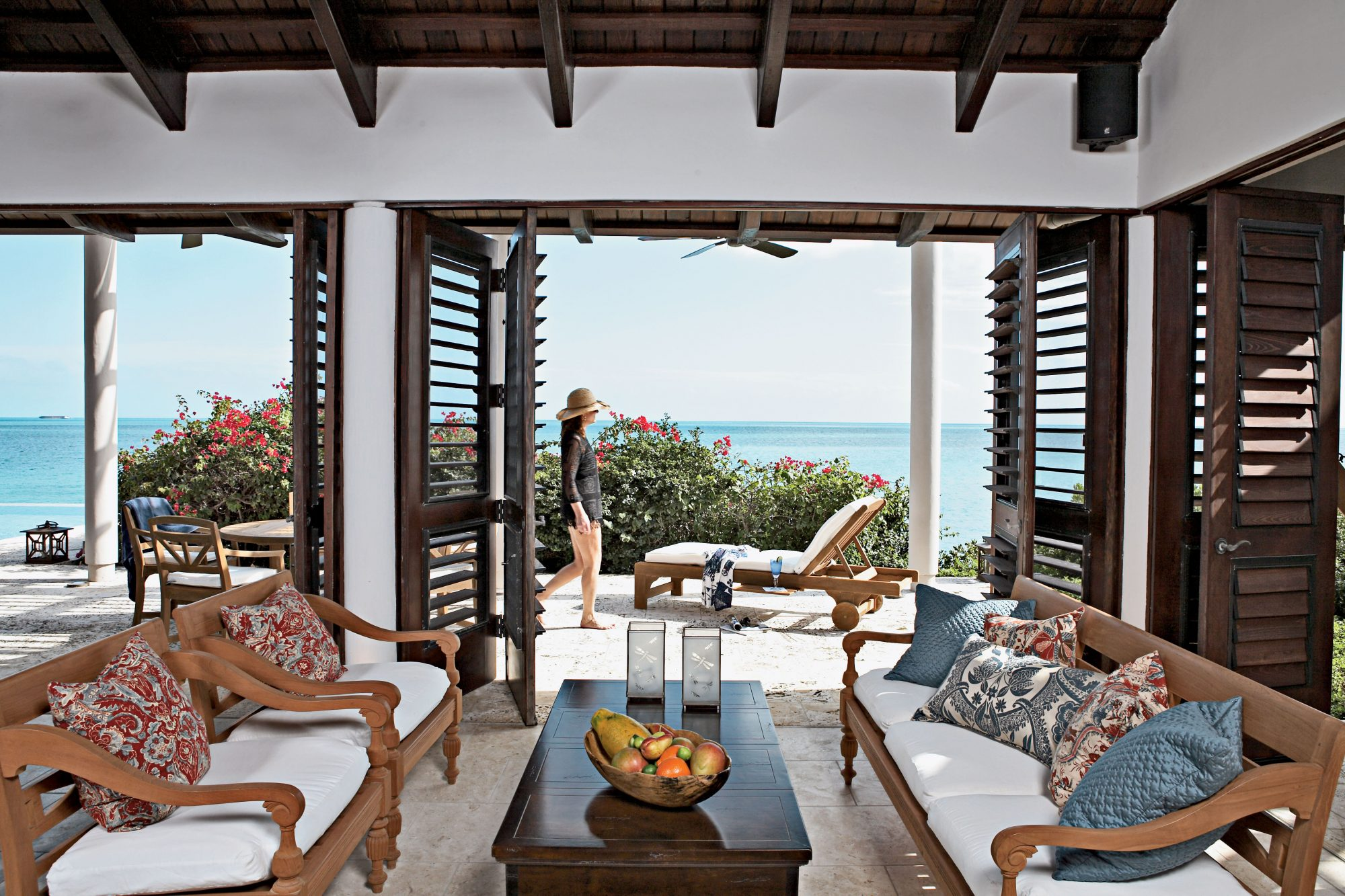 Our 25 Prettiest Island Rooms: Outdoor Living Room