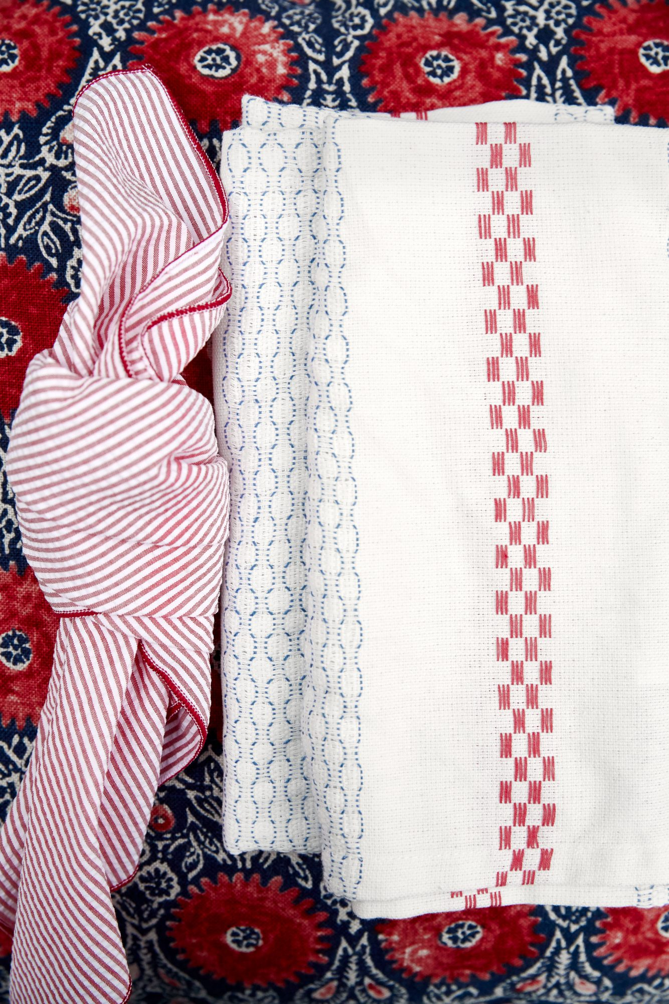 Knotted Napkin for 4th of July Party