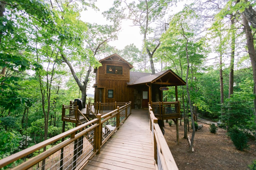 Cabin Rental Blue Ridge Treehouse