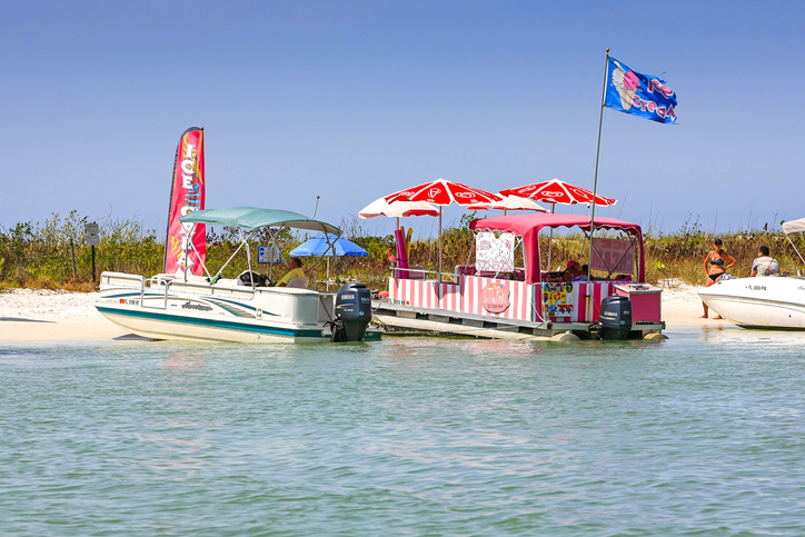 Keewaydin Island and the In the Pink food boat