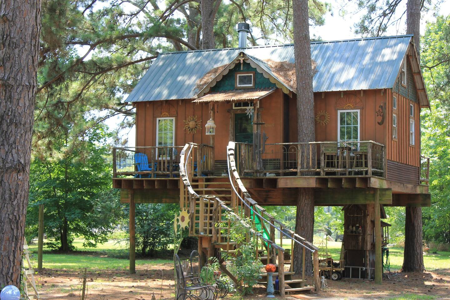Louisiana Cedar Treehouse Glamping