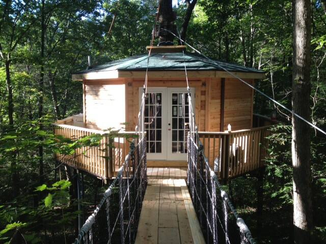 West Virginia Glamping Treehouse