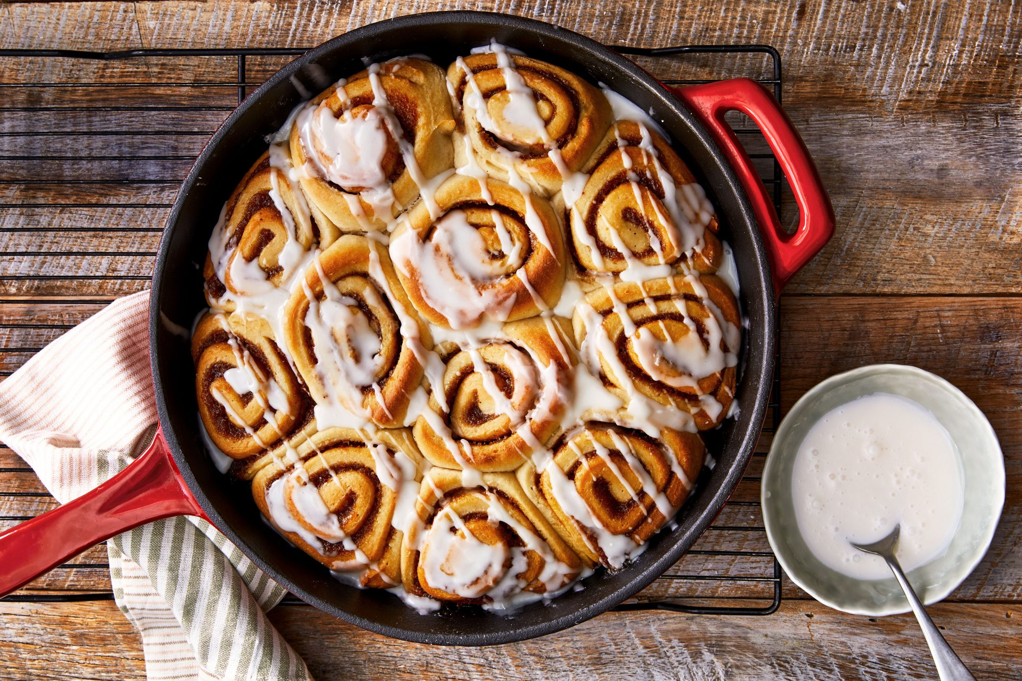 Apple Butter Cinnamon Rolls with Apple Cider Glaze