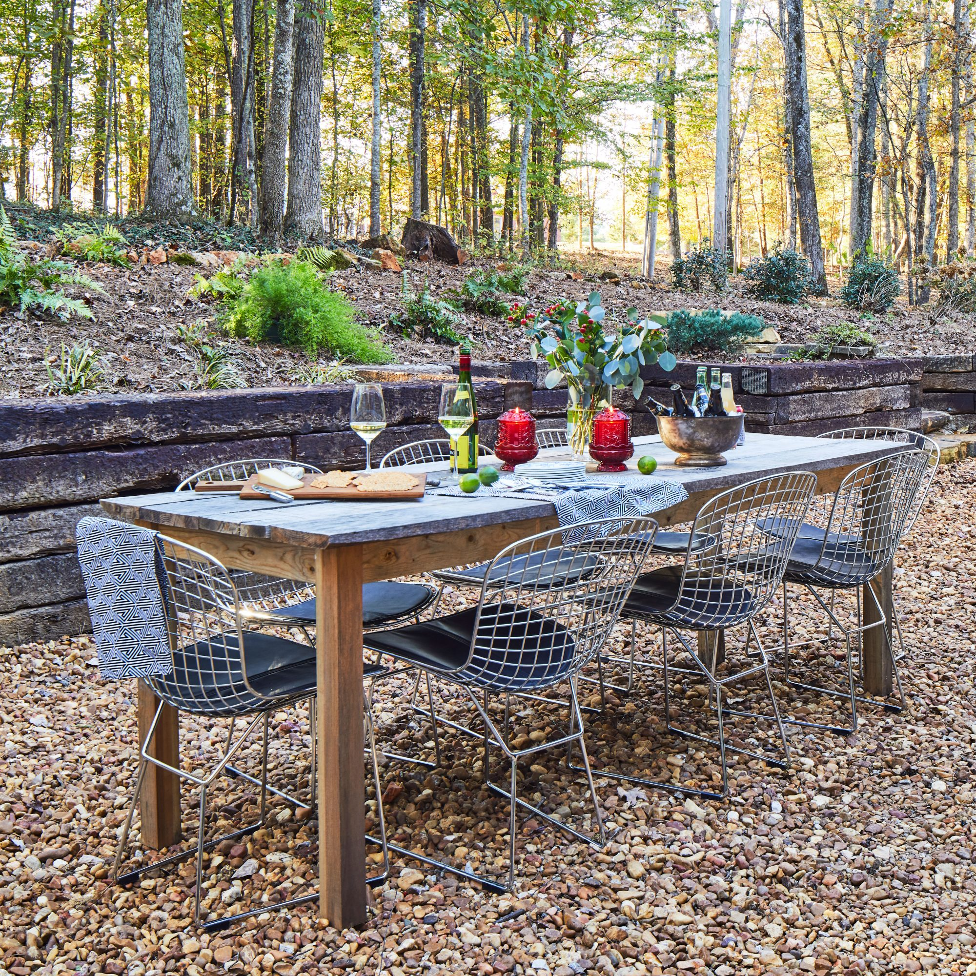 Alabama Cabin Outdoor Dining Table with Metal Chairs