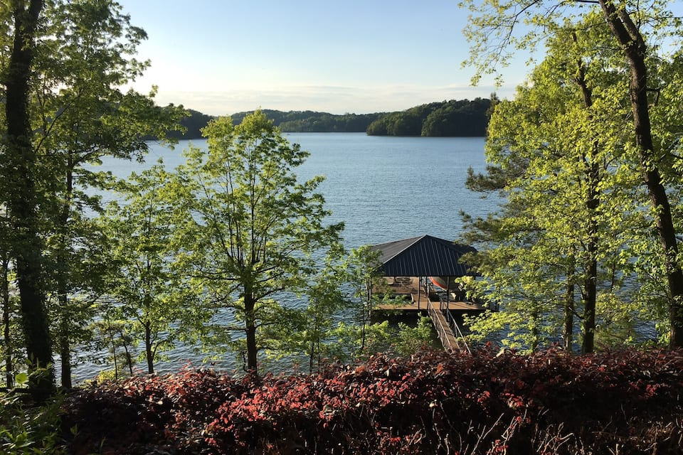 Lake Lanier GA Cabin Rental