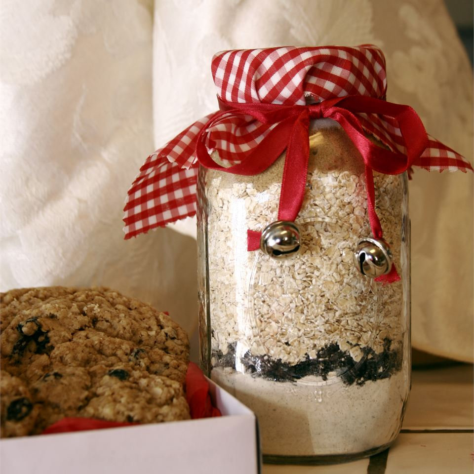 Oatmeal Raisin Spice Cookie Mix in a Jar