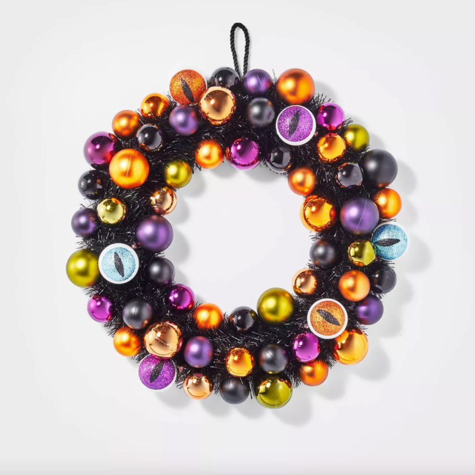 shatterproof Light Up Eyeball Wreath