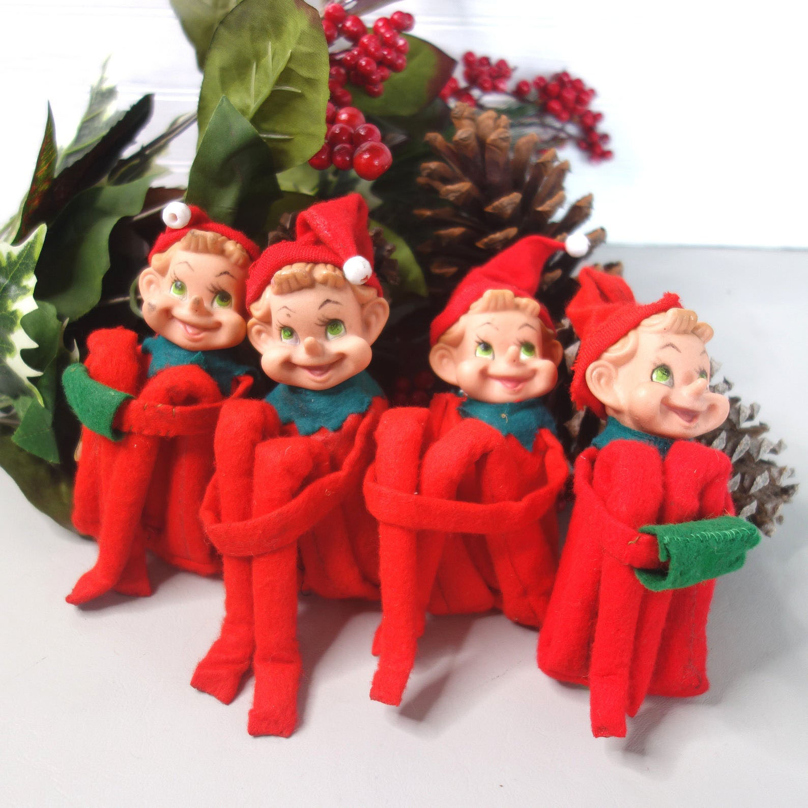 Knee-Hugger Elves