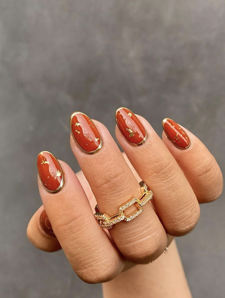 Pumpkin Spice-Inspired Nails