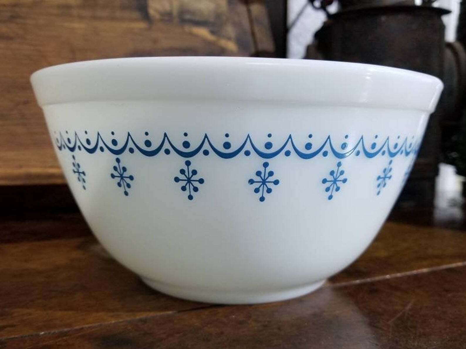Snowflake Blue Garland Pyrex Mixing Bowl