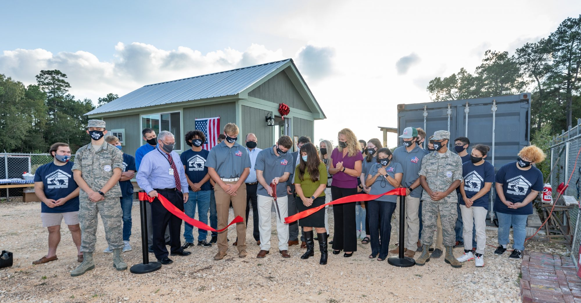 Students Helping Veterans: Big Heroes, Tiny Homes