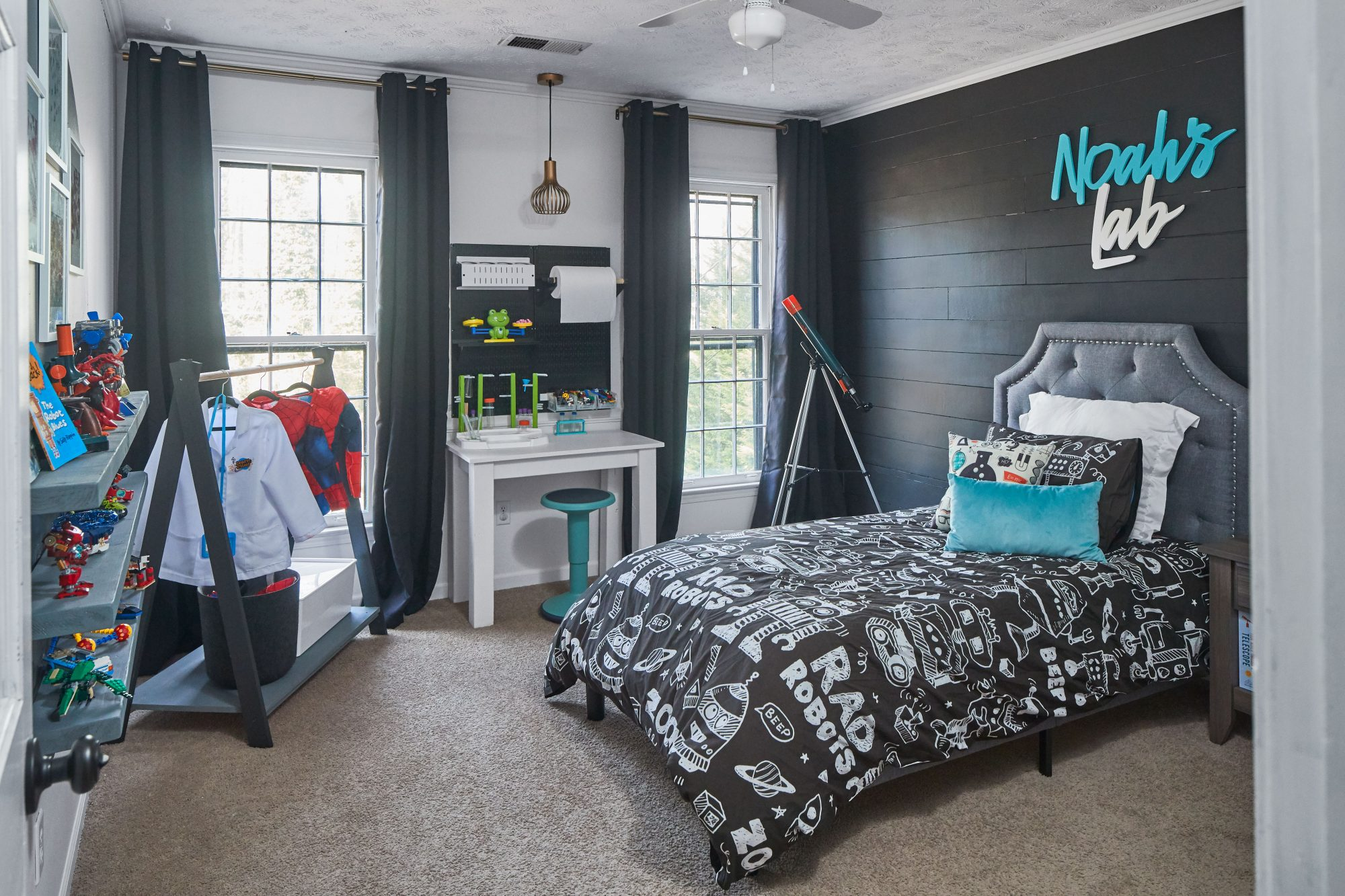 Boys bedroom with charcoal and teal accents