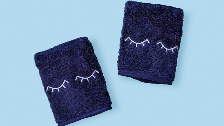 Weezie Makeup Towels