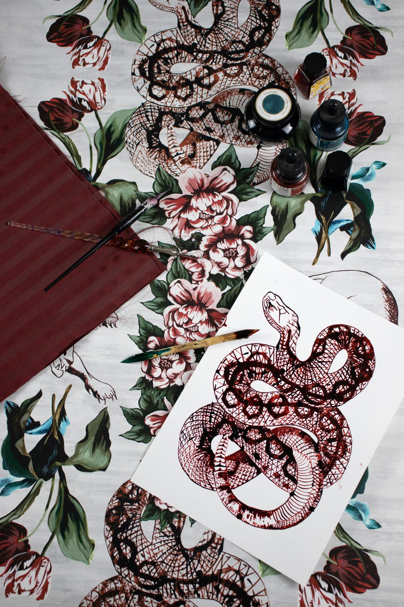 Toile Wallpaper with Snake