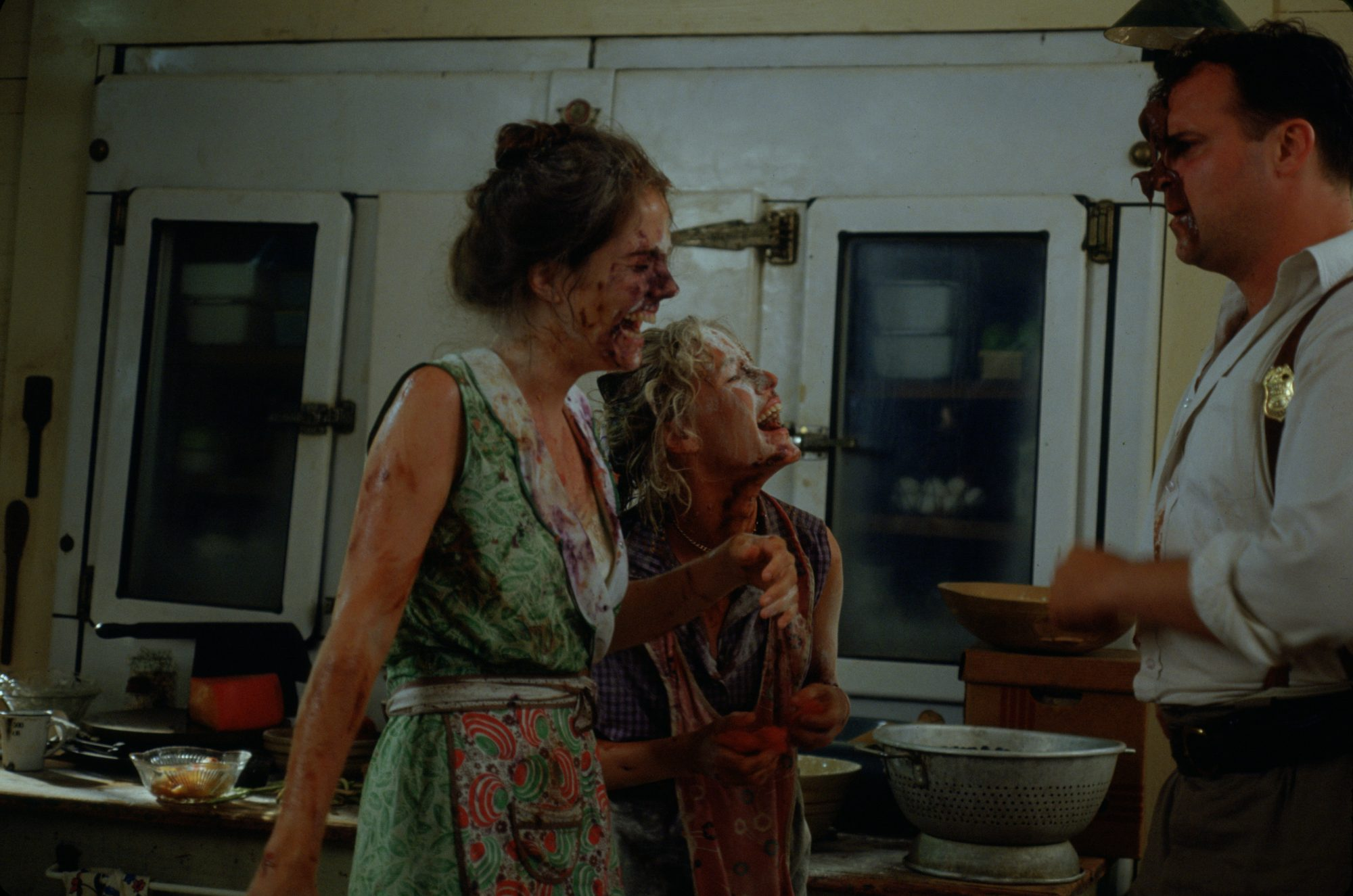 Mary Stuart Masterson and Mary Louise Parker Food Fight Scene Fried Green Tomatoes